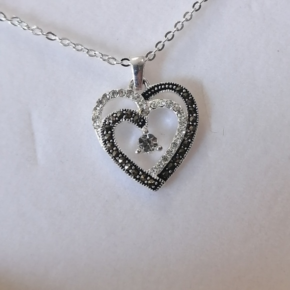 Fine Silver & Black Marcasite Heart Necklace BNWT